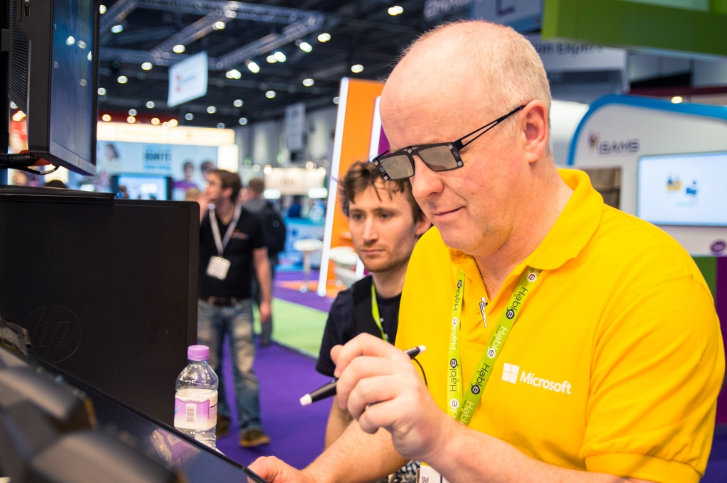 Kevin experiments with holographic technology at the BETT Show.