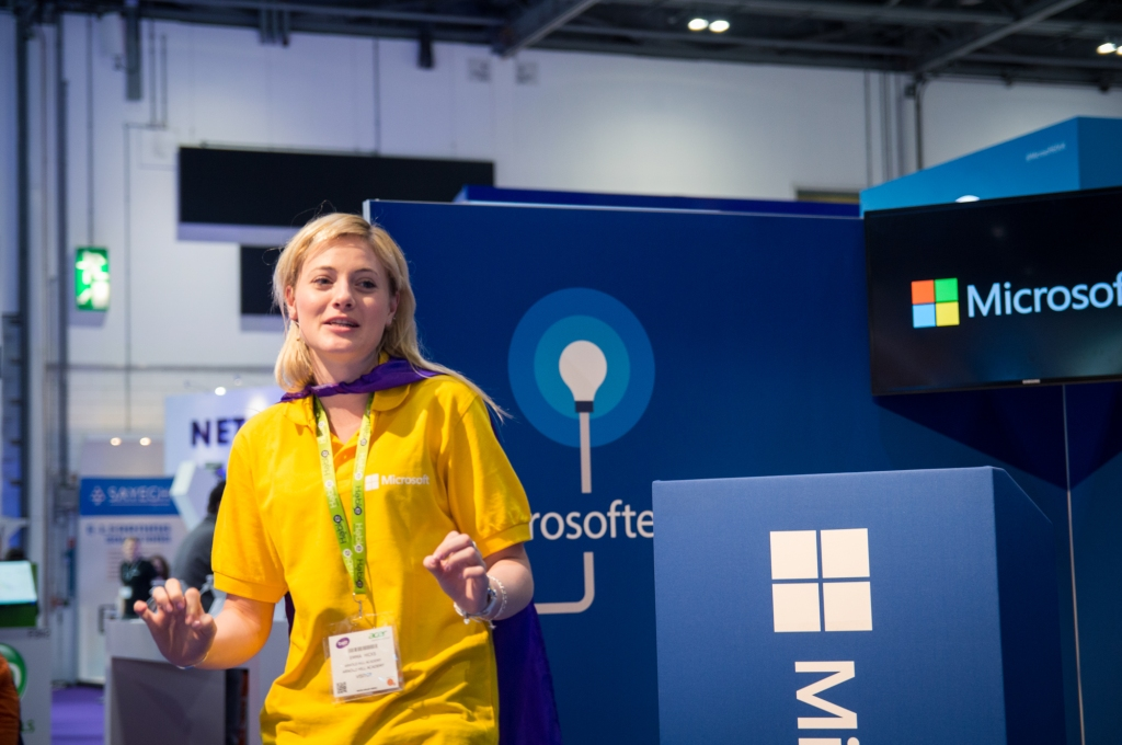 English teacher Emma Hicks gives a great presentation on Microsoft OneNote 2013 at the BETT show.